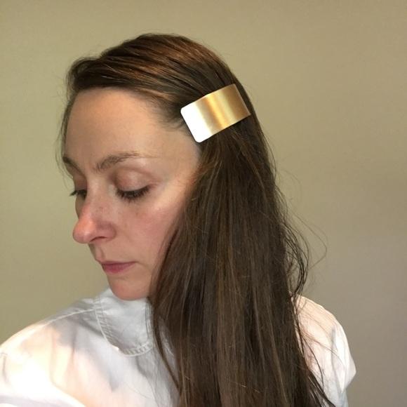 Zara Accessories - Zara Minimalist Gold Hair Clip Barette
